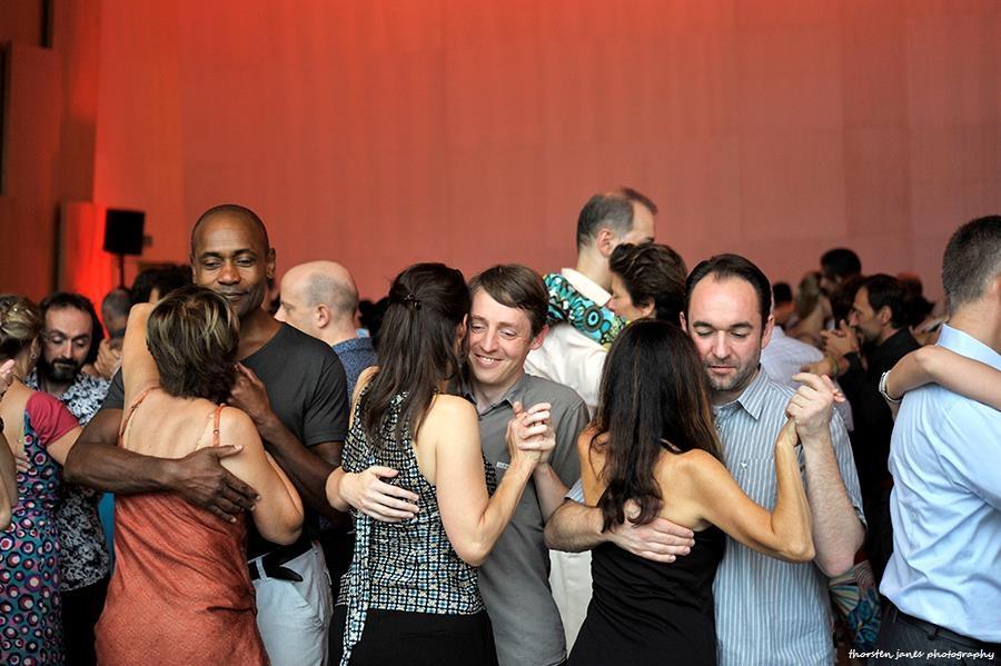 FCA: Dancers in tight space