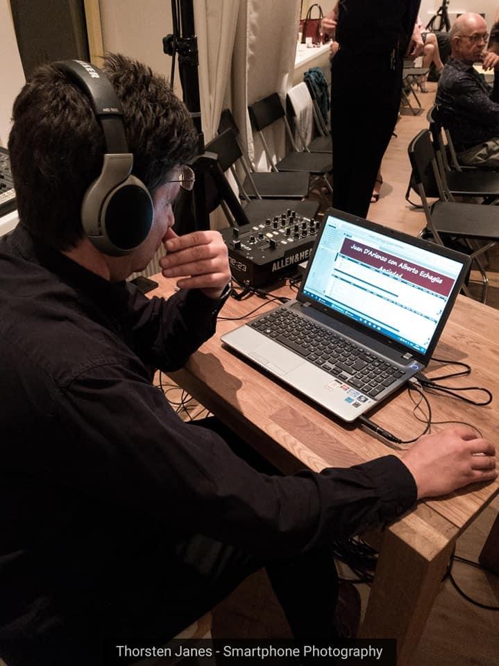 Pequeña: DJ Andy