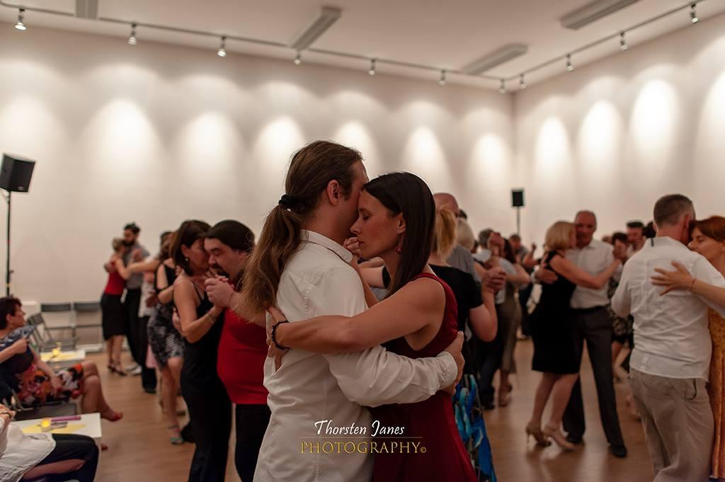 Pequeña: Saso and Alja dancing