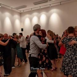 Pequeña: Dancers
